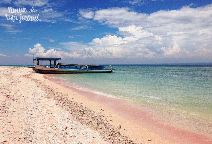 06. pink beach
