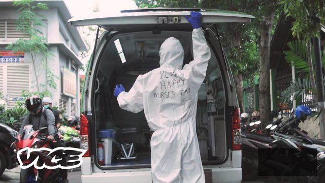 tenaga-medis-jadi-pelanduk-mati-di-tengah-saat-pemerintah-menormalisasi-pandemi