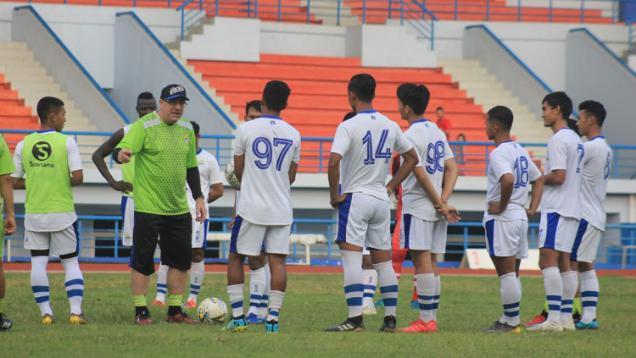 pemain-muda-persib-siap-berlatih-untuk-lanjutan-liga-1-2020