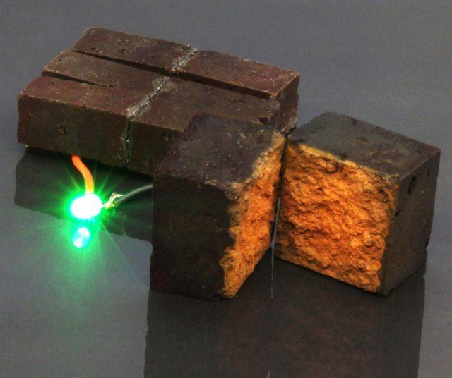kini-ada-teknologi-buat-mengubah-batu-bata-biasa-jadi-penyalur-listrik