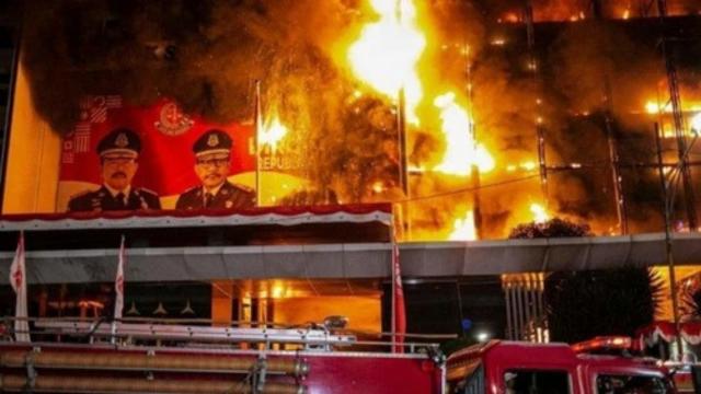 mabes-polri-pastikan-kebakaran-gedung-kejaksaan-agung-disengaja