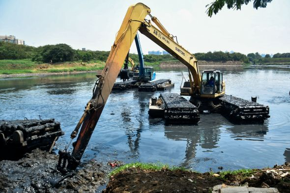 dinas-sda-dki-lakukan-'grebeg-lumpur'-untuk-kendalikan-banjir