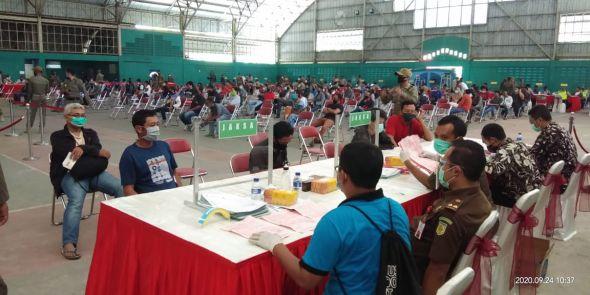 ratusan-pelanggar-prokes-sidang-denda-di-gor-indoor-tenis