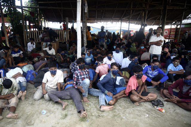 jalan-tiada-ujung-terpaksa-dilalui-pengungsi-rohingya-di-indonesia-selama-pandemi