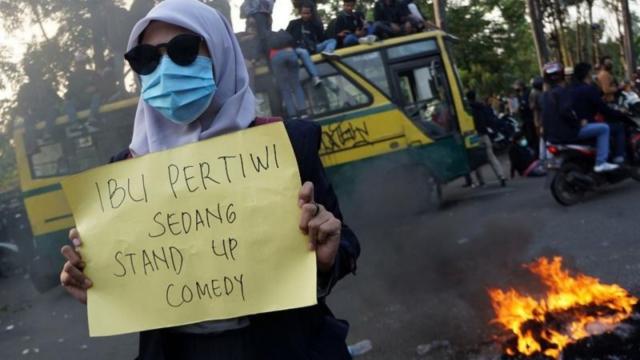 taktik-lain-perlu-dijajal-saat-memprotes-pemerintah:-pembangkangan-sipil