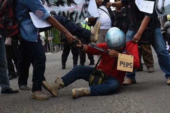 lbh-pers-kutuk-kekerasan-pada-empat-jurnalis-saat-meliput-demo