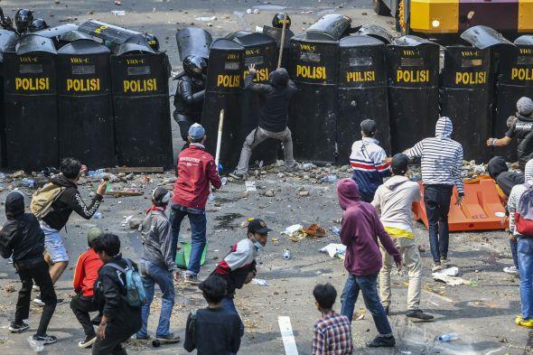 demonstran-jangan-mau-disusupi-kelompok-anti-kemapanan