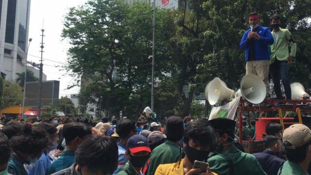 pembangkangan-aliansi-dosen:-dukung-mahasiswa-demo-meski-dilarang-kemendikbud