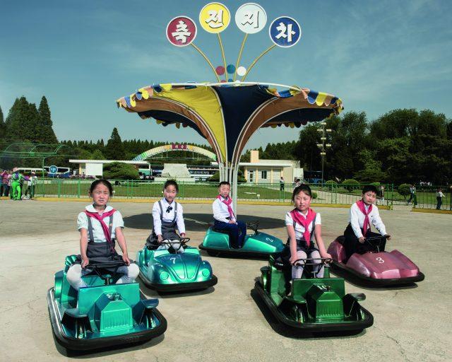 mengintip-keseharian-rakyat-korea-utara-lewat-foto-penuh-warna