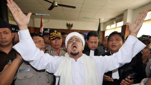 fpi-meyakini-rizieq-shihab-kali-ini-betulan-bisa-pulang-ke-indonesia