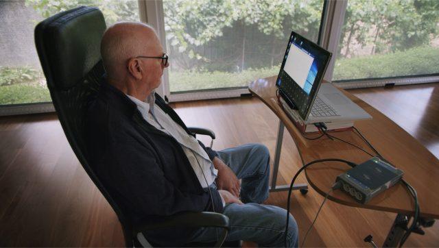 berkat-teknologi-anyar,-penderita-kelumpuhan-bisa-operasikan-komputer-lewat-otak