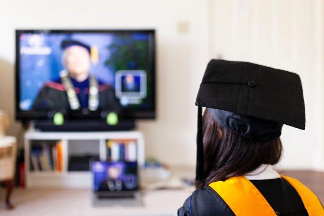biaya-wisuda-daring-yang-mahal-diprotes-mahasiswa-di-beberapa-daerah