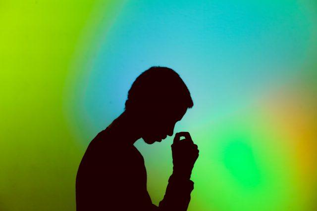 stres-akibat-kebijakan-pemerintah-indonesia-adalah-problem-kesehatan-mental-riil