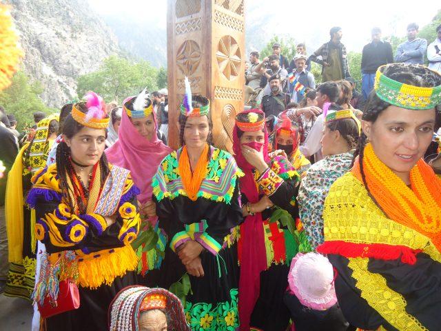 menyambangi-suku-di-pakistan-yang-bebaskan-perempuan-kawin-lari-dan-bercerai