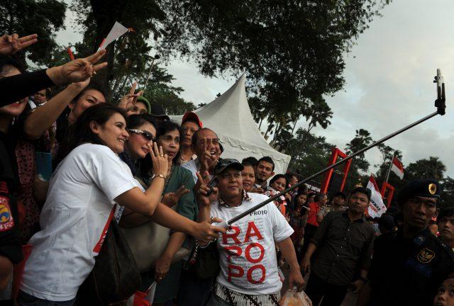 menyorot-obsesi-pemerintah-indonesia-pakai-influencer-tiap-sosialisasi-kebijakan
