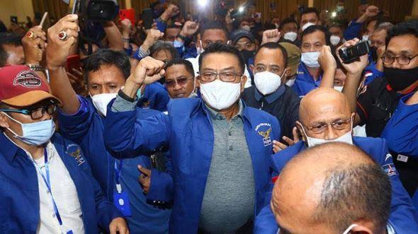 mahfud:-pemerintah-tak-bisa-larang-klb-demokrat