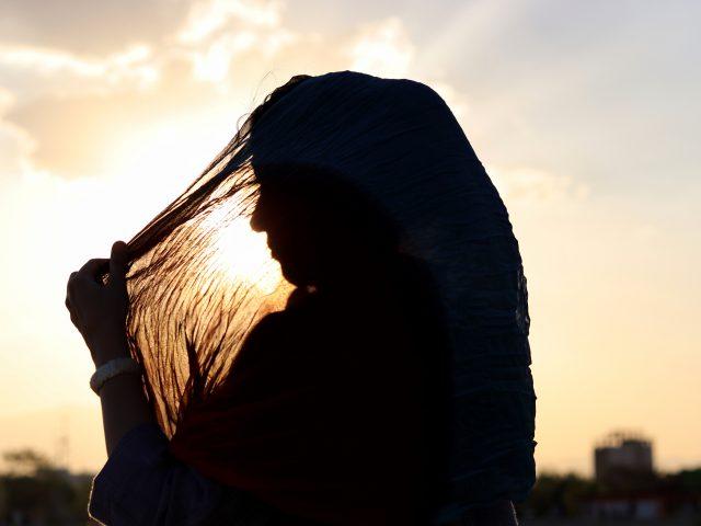 pengakuan-perempuan-yang-mengidap-gangguan-psikologis-akibat-dipaksa-berhijab