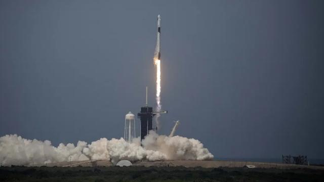 sebagian-warga-biak-papua-menolak-wilayahnya-jadi-lokasi-peluncuran-roket-spacex