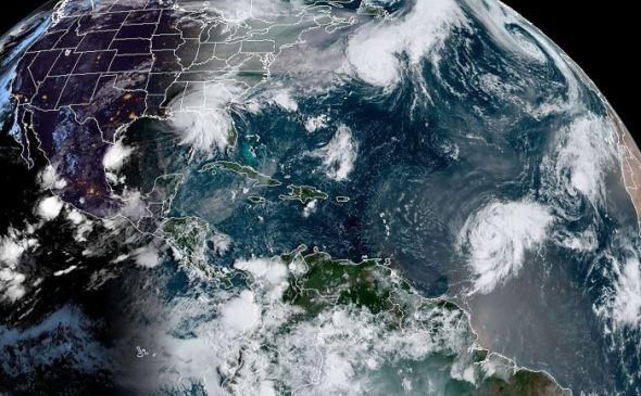bmkg-deteksi-bibit-siklon-tropis-94w,-ini-dampaknya-bagi-indonesia