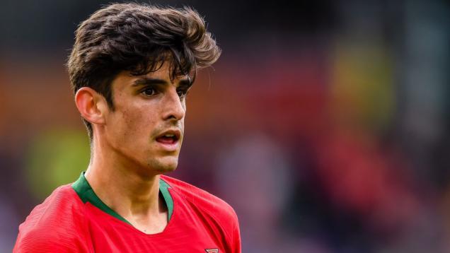 gagal-di-barcelona,-striker-'hibrida'-messi-ronaldo-perkuat-klub-liga-inggris-ini?