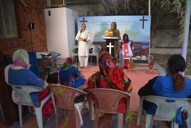 transpuan-kristen-di-pakistan-akhirnya-bisa-ke-gereja-lagi