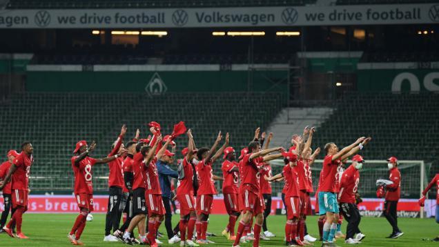 dibantu-dortmund,-bayern-munchen-resmi-juara-bundesliga-jerman-musim-ini