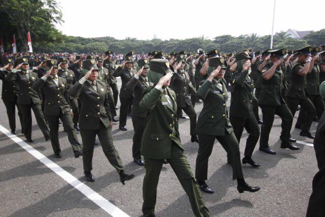 tni-akhirnya-bakal-hentikan-'tes-keperawanan'-dalam-seleksi-masuk-prajurit