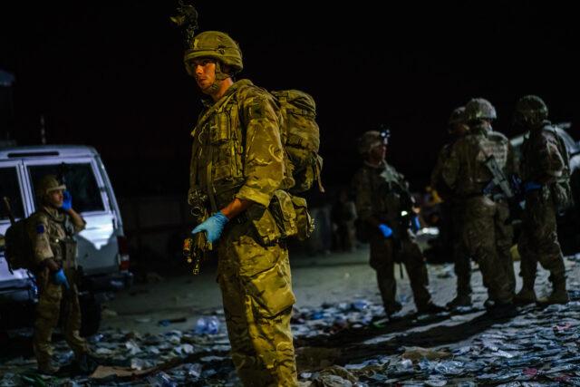 isis-ikut-kacaukan-afghanistan-dengan-serang-bandara-kabul,-lebih-dari-100-orang-tewas