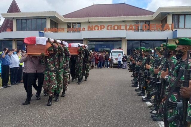 konflik-memburuk-di-papua-berujung-tewasnya-nakes,-idi-minta-jaminan-keamanan
