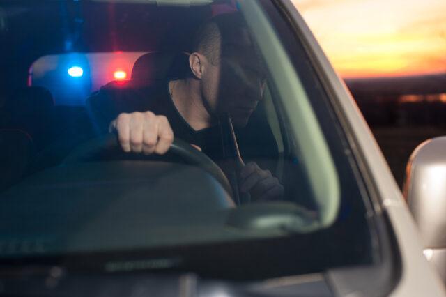 lelaki-as-lempar-potongan-penisnya-dari-mobil-saat-ngebut-dikejar-polisi