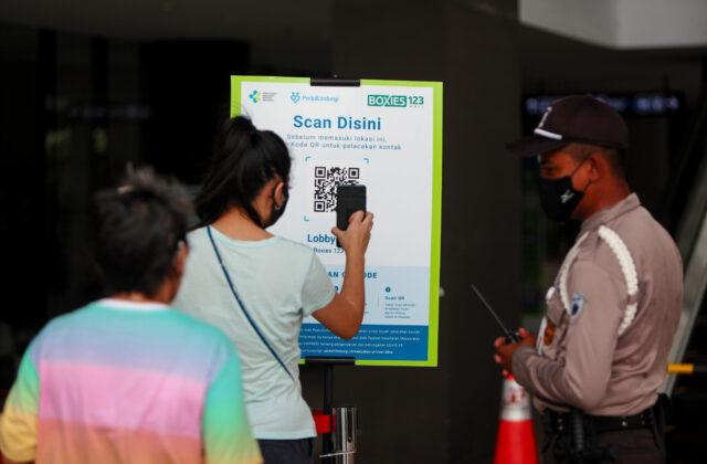 data-aplikasi-pedulilindungi:-ribuan-orang-indonesia-positif-covid-tetap-jalan-jalan